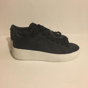 NWOT Women's Steve Madden Bertie-S Sneaker